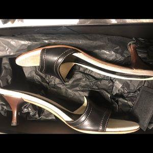 Gucci kitten heel slides size 6 1/2.